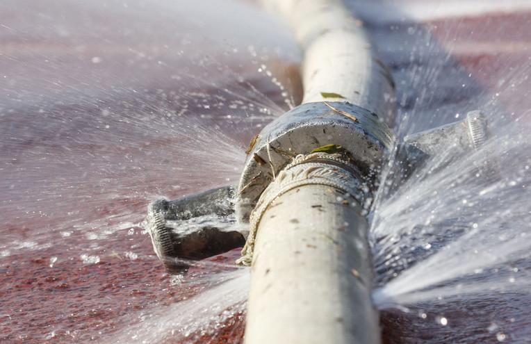 leaking pipes and burst repair